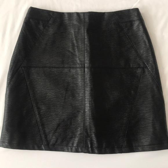b9559bfd19 H&M Dresses & Skirts - H&M black faux leather mini skirt